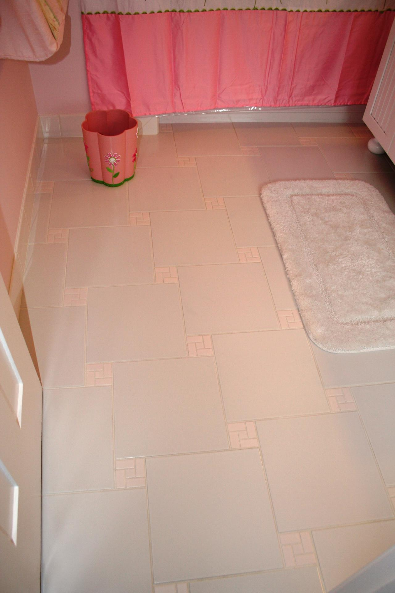 Nest homes construction childrens bathroom in bratenahl oh finished floor dailygadgetfo Images